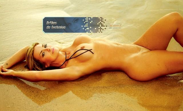 belas-da-praia-peladas-playboy-3