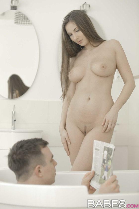 ninfeta-safada-transando-muito-no-banheiro-4