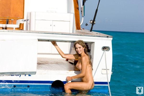 loira-gostosa-pelada-na-pescaria-ao-ar-livre-10