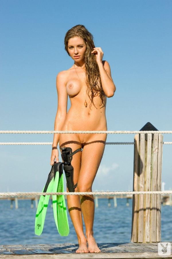 loira-gostosa-pelada-na-pescaria-ao-ar-livre-2