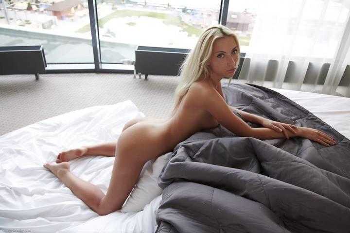 fotos-mulheres-gostosas-exibindo-bucetas-apertadinhas-34
