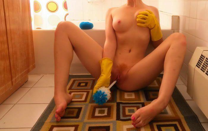 gostosa-em-fotos-pelada-no-banheiro-8