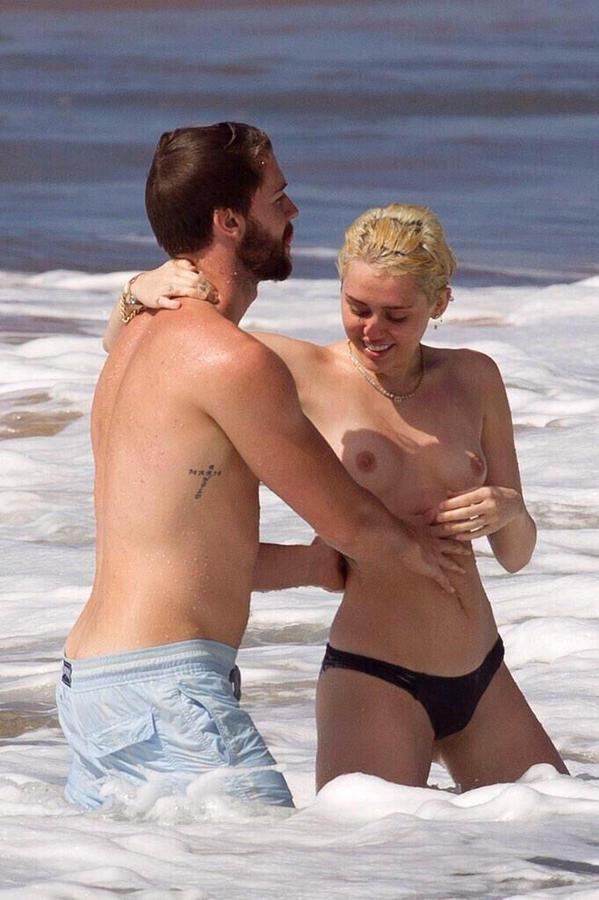 miley-cyrus-naked-bitch-pelada-praia-namorado-8