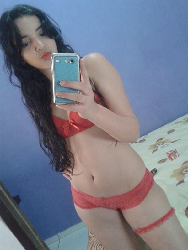 mulheres-gostosas-que-cairam-na-net-peladas-24