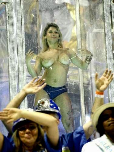 mulheres-peladas-no-carnaval-2015-45