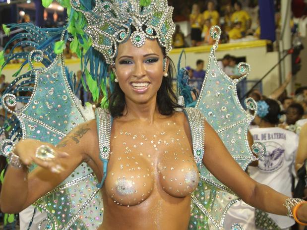 mulheres-peladas-no-carnaval-2015-53