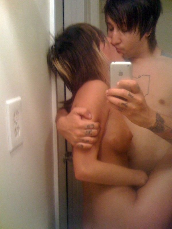 casal-de-emos-fazendo-sexo-4