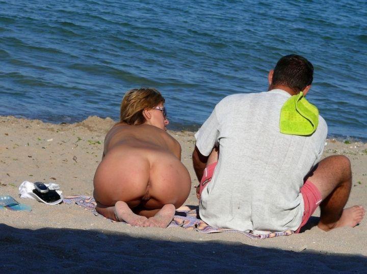 flagra-de-loira-gostosa-na-praia-8