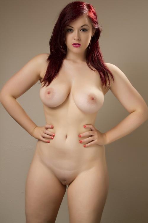 70-mulheres-peladas-e-sensualizando-27