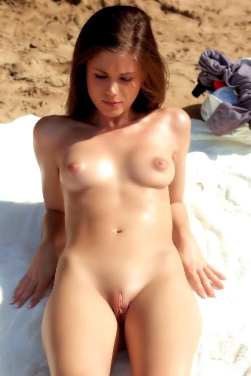 70-mulheres-peladas-e-sensualizando-35