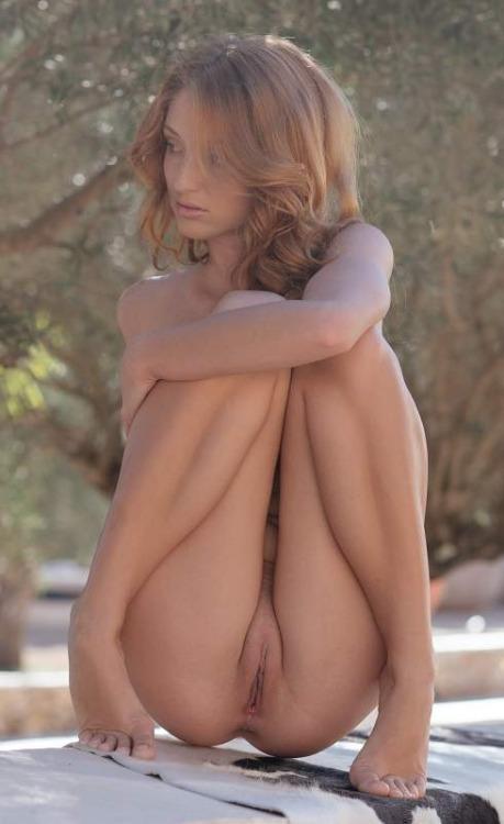70-mulheres-peladas-e-sensualizando-38