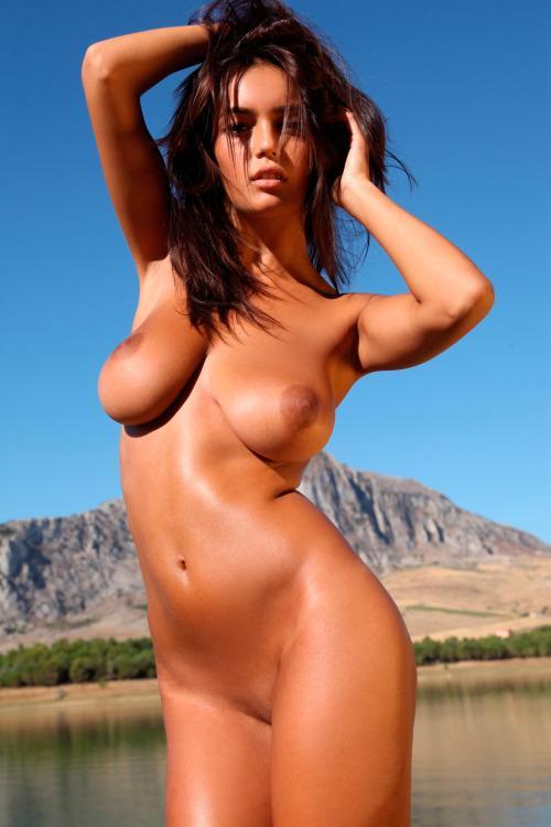 70-mulheres-peladas-e-sensualizando-45