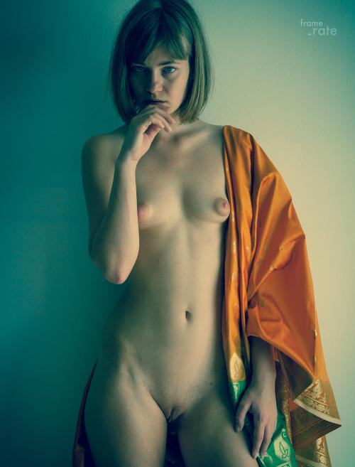70-mulheres-peladas-e-sensualizando-5