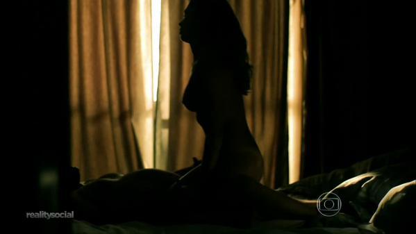 imagens-da-camila-queiroz-angel-nua-na-novela-verdade-secretas-16