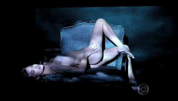imagens-da-camila-queiroz-angel-nua-na-novela-verdade-secretas-9