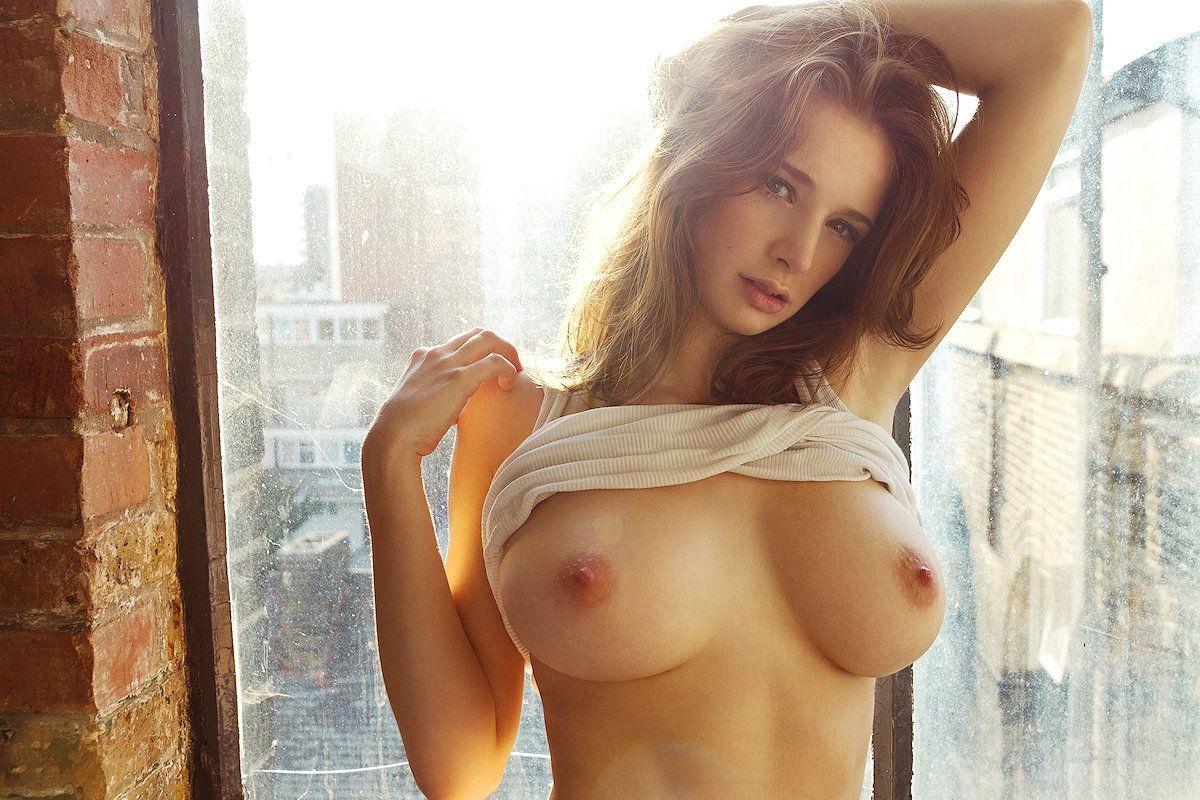 43-fotos-topless-de-gostosas-na-praia-7