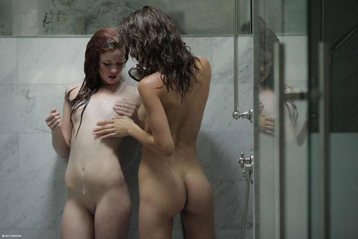 fotos-novinhas-tomando-banho-peladinhas-29