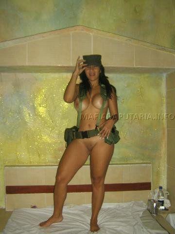 policial-gostosa-caiu-na-net-pelada-6