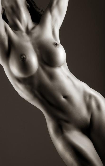 32-gostosas-peladas-mostrando-todo-o-corpo-15
