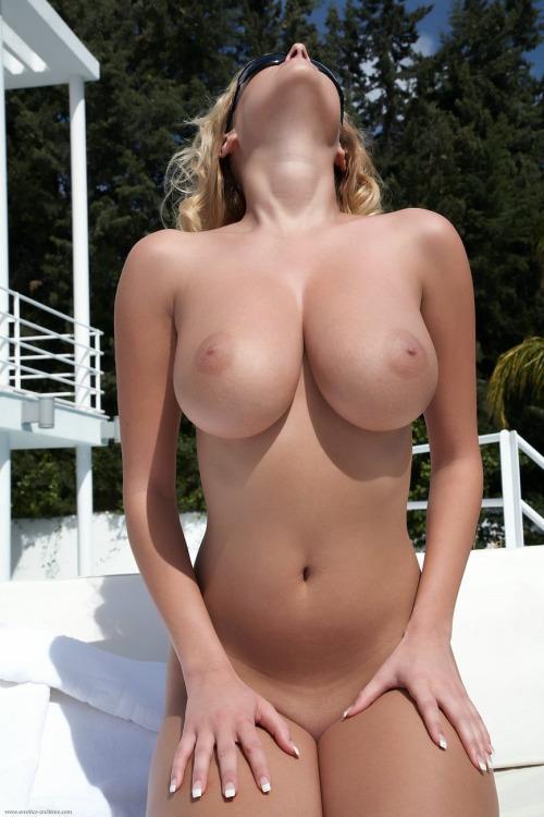 42-mulheres-gostosas-peladas-2016-35