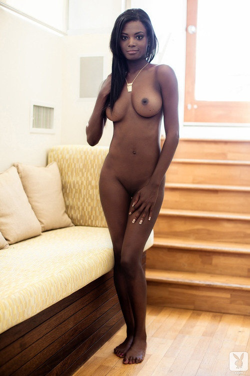 mulheres-negras-nuas-em-diversas-fotos-53