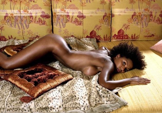 mulheres-negras-nuas-em-diversas-fotos-6