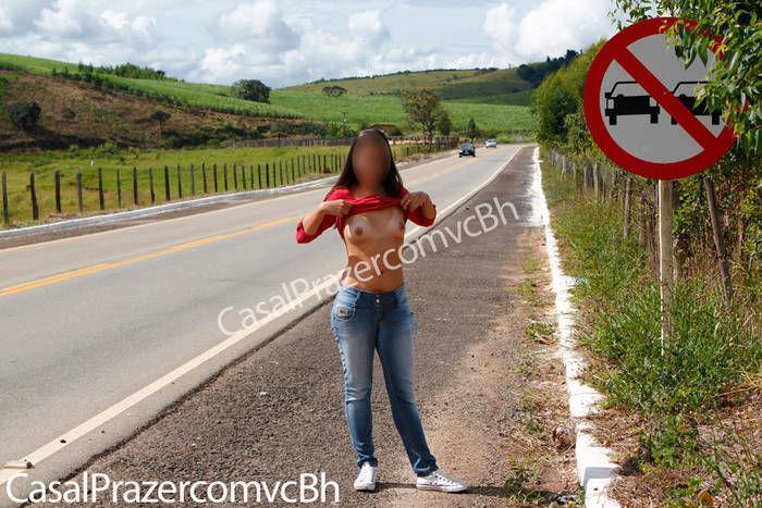 fotos-casada-tesuda-pagando-boquete-no-carro-5