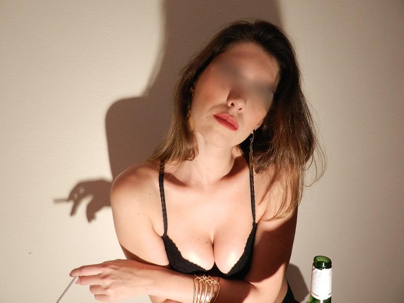 loira-gostosa-fazendo-ensaio-sensual-para-o-namorado-5
