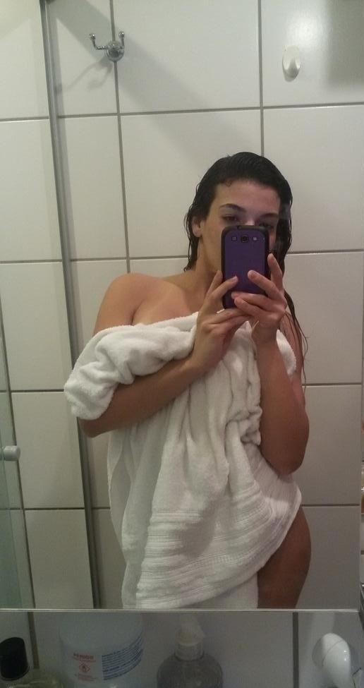 loirinha-dos-peitos-grandes-se-exibindo-no-whatsapp-11