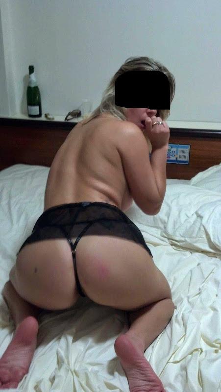 loirinha-safada-se-exbindo-usando-lingerie-10