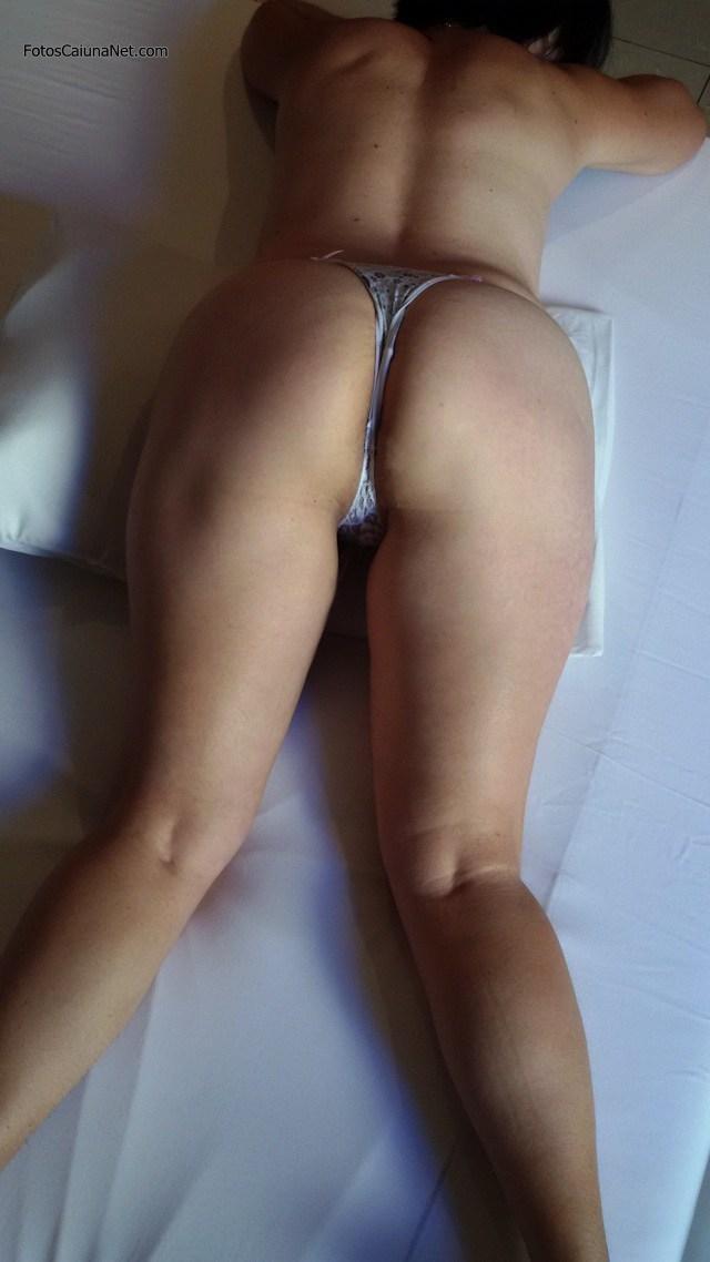 coroa-bucetuda-fazendo-poses-peladona-8