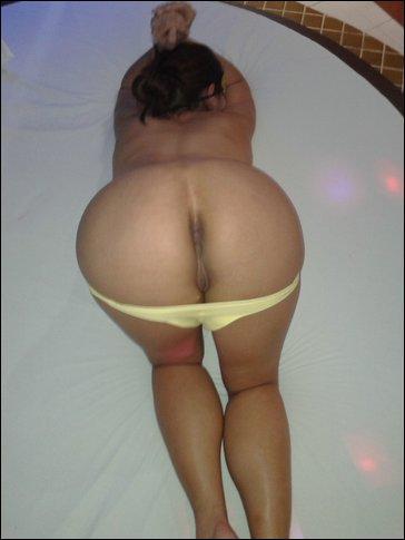 Esposa de puta en su trabajo - 3 6