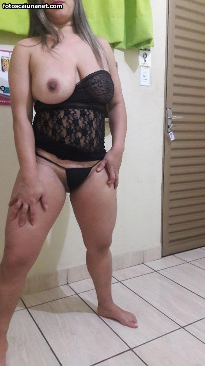 Hand job with tied balls